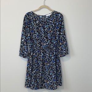 3/$20 🐝 Lush blue floral dress with key hole back